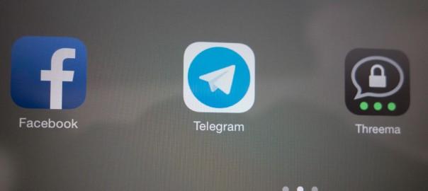 Icons von Facebook, Telegram und Threema